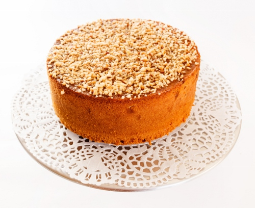 sponge cake with nuts